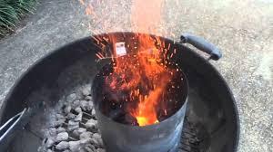 Комин за разпалване на въглища Weber